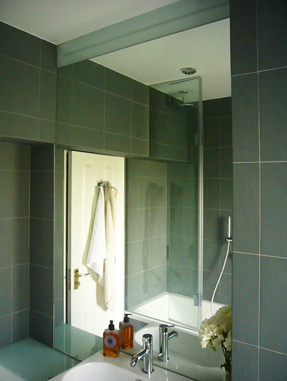 Pocket bathrooms projects ape architecture design ltd for Bathroom design ltd